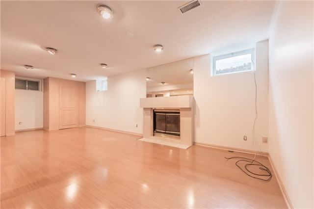 Detached at 15 Thicket Rd, Toronto, Ontario. Image 8