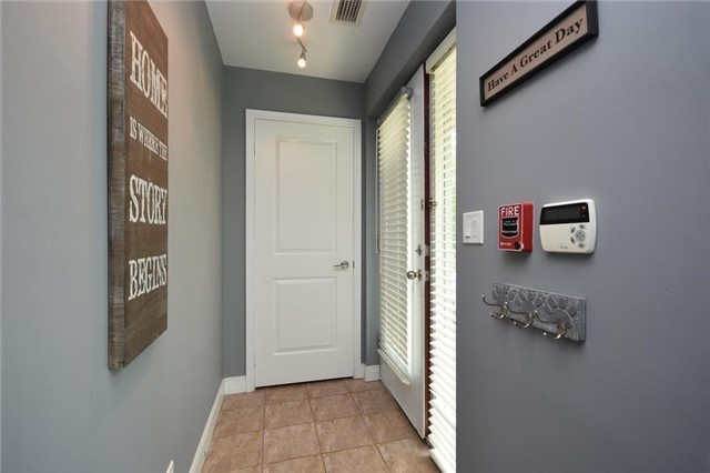 Condo Townhouse at 90 Absolute Ave, Unit 111, Mississauga, Ontario. Image 12