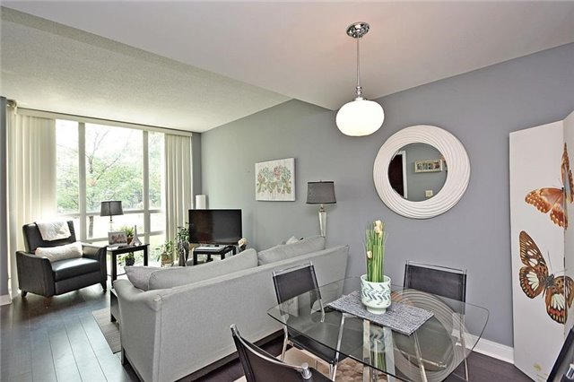 Condo Townhouse at 90 Absolute Ave, Unit 111, Mississauga, Ontario. Image 15