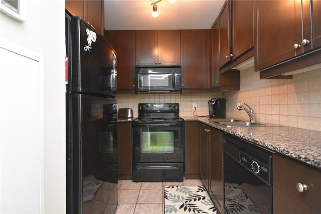 Condo Townhouse at 90 Absolute Ave, Unit 111, Mississauga, Ontario. Image 18