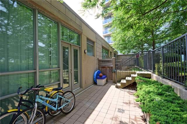 Condo Townhouse at 90 Absolute Ave, Unit 111, Mississauga, Ontario. Image 4