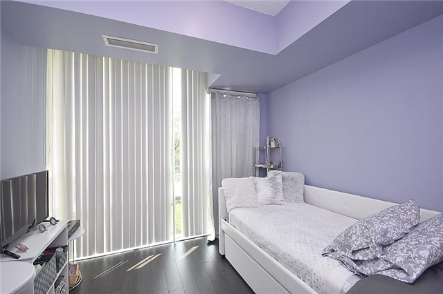 Condo Townhouse at 90 Absolute Ave, Unit 111, Mississauga, Ontario. Image 6