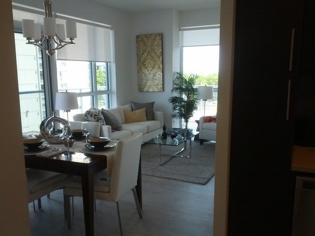 Condo Apartment at 65 Speers Rd, Unit 405, Oakville, Ontario. Image 7