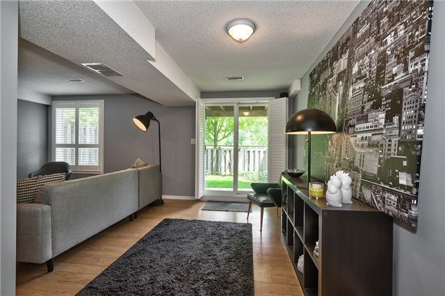 Condo Townhouse at 2151 Walkers Line, Unit 17, Burlington, Ontario. Image 10