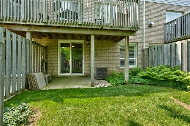 Condo Townhouse at 2151 Walkers Line, Unit 17, Burlington, Ontario. Image 13