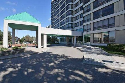 Condo Apartment at 330 Mill St S, Unit 601, Brampton, Ontario. Image 3