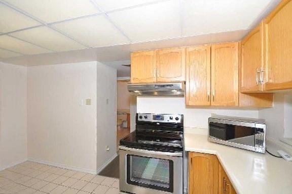 Condo Apartment at 330 Mill St S, Unit 601, Brampton, Ontario. Image 2