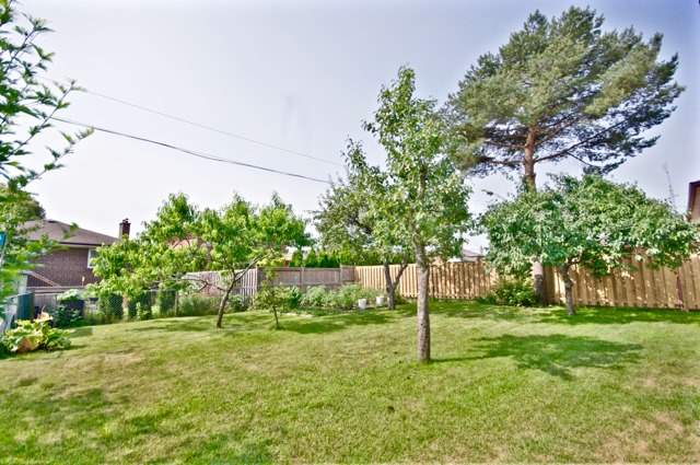 Detached at 48 Lemonwood Dr, Toronto, Ontario. Image 14