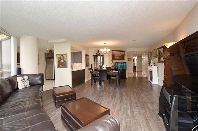 Condo Apartment at 50 Eglinton Ave W, Unit 1007, Mississauga, Ontario. Image 12