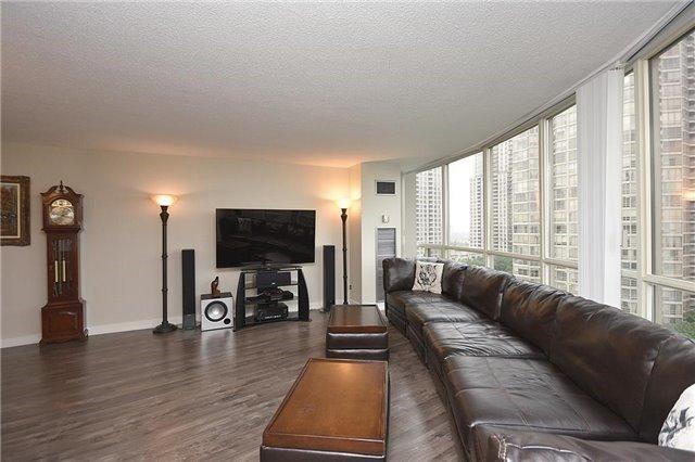 Condo Apartment at 50 Eglinton Ave W, Unit 1007, Mississauga, Ontario. Image 15