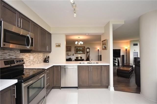 Condo Apartment at 50 Eglinton Ave W, Unit 1007, Mississauga, Ontario. Image 19