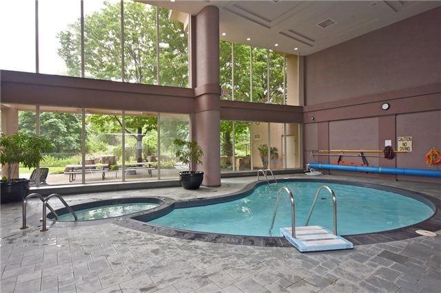 Condo Apartment at 50 Eglinton Ave W, Unit 1007, Mississauga, Ontario. Image 7