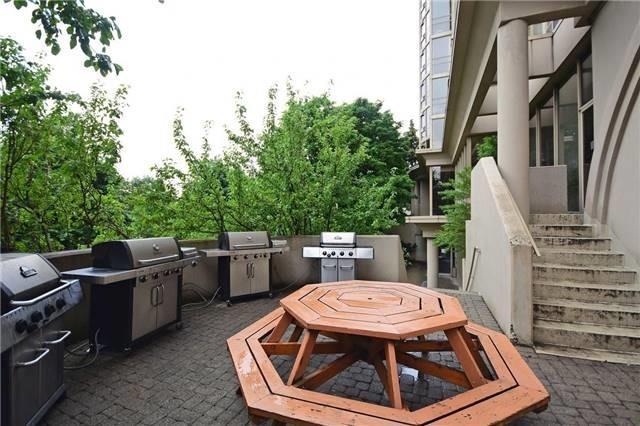 Condo Apartment at 50 Eglinton Ave W, Unit 1007, Mississauga, Ontario. Image 11
