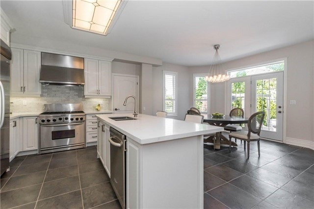Detached at 3275 Raspberry Bush Tr, Oakville, Ontario. Image 18