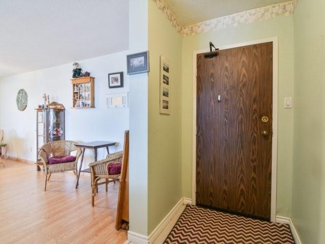 Condo Apartment at 25 Kensington Rd, Unit 1607, Brampton, Ontario. Image 10