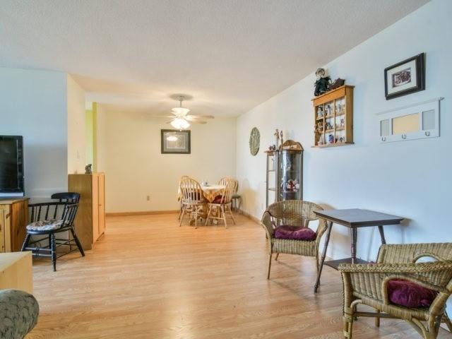 Condo Apartment at 25 Kensington Rd, Unit 1607, Brampton, Ontario. Image 14