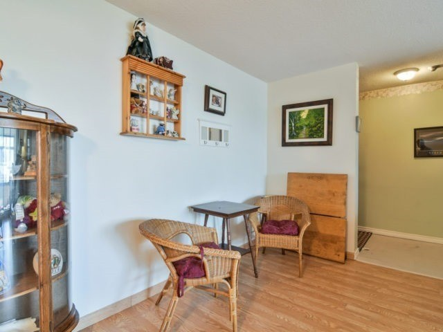 Condo Apartment at 25 Kensington Rd, Unit 1607, Brampton, Ontario. Image 16