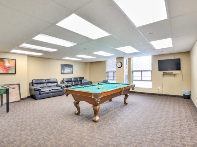 Condo Apartment at 25 Kensington Rd, Unit 1607, Brampton, Ontario. Image 5