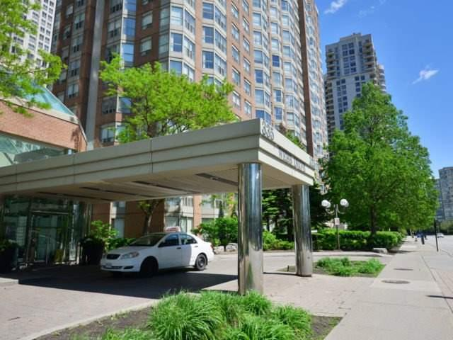 Condo Apartment at 325 Webb Dr, Unit 1206, Mississauga, Ontario. Image 1