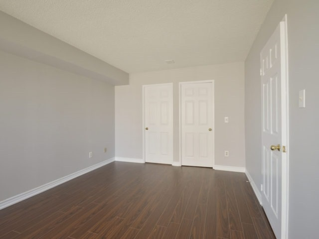 Condo Apartment at 325 Webb Dr, Unit 1206, Mississauga, Ontario. Image 3