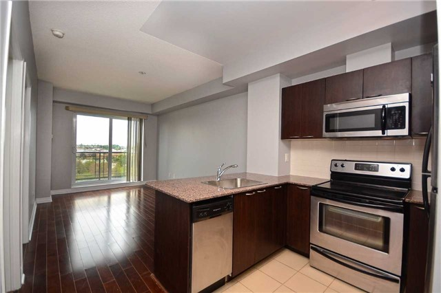 Condo Apartment at 385 Prince Of Wales Dr, Unit 710, Mississauga, Ontario. Image 15