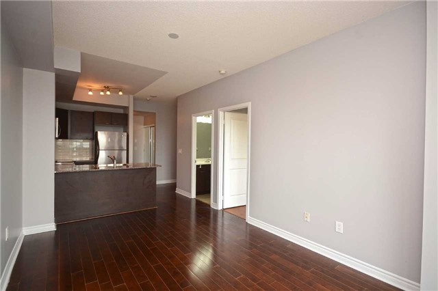 Condo Apartment at 385 Prince Of Wales Dr, Unit 710, Mississauga, Ontario. Image 17