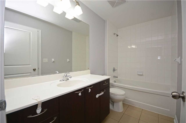 Condo Apartment at 385 Prince Of Wales Dr, Unit 710, Mississauga, Ontario. Image 20