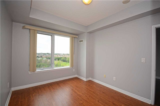Condo Apartment at 385 Prince Of Wales Dr, Unit 710, Mississauga, Ontario. Image 2