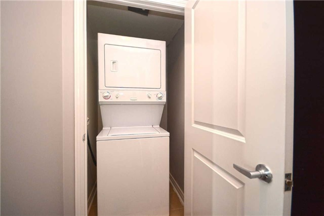 Condo Apartment at 385 Prince Of Wales Dr, Unit 710, Mississauga, Ontario. Image 5