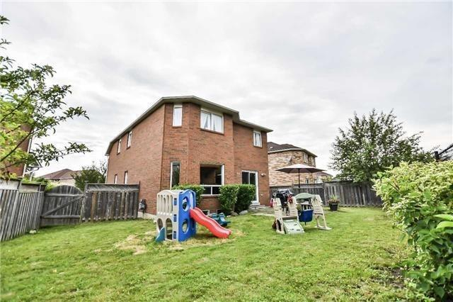 Detached at 5255 Marblewood Dr, Mississauga, Ontario. Image 9