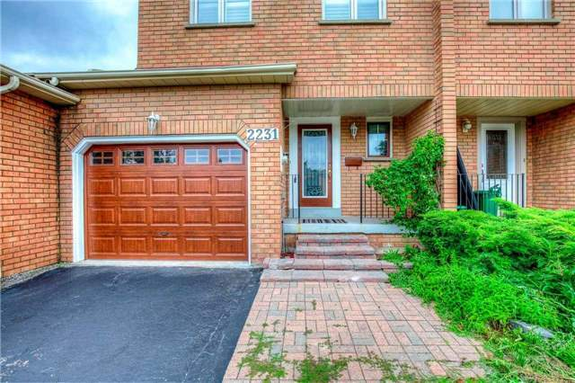 Townhouse at 2231 Shipwright Rd, Oakville, Ontario. Image 1