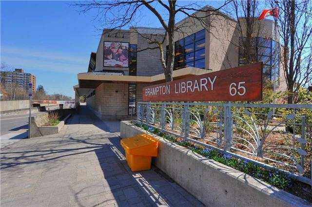 Detached at 27 Rosedale Ave W, Brampton, Ontario. Image 9