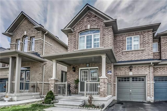 Semi-detached at 2 Amy Ave, Brampton, Ontario. Image 1