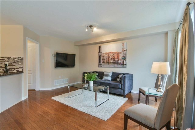 Townhouse at 5546 Linwell Pl, Mississauga, Ontario. Image 15