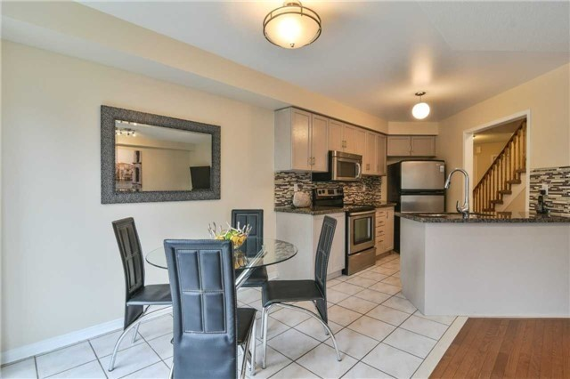Townhouse at 5546 Linwell Pl, Mississauga, Ontario. Image 18