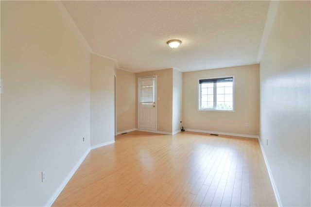 Townhouse at 5546 Linwell Pl, Mississauga, Ontario. Image 2