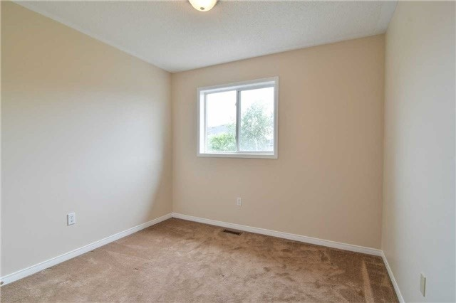 Townhouse at 5546 Linwell Pl, Mississauga, Ontario. Image 4