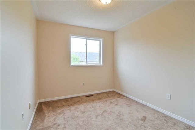 Townhouse at 5546 Linwell Pl, Mississauga, Ontario. Image 5