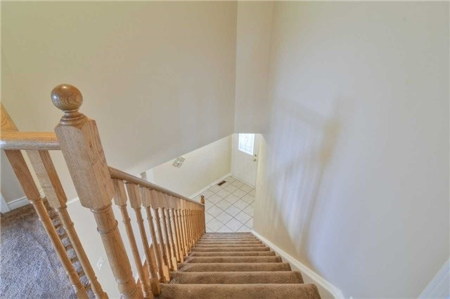 Townhouse at 5546 Linwell Pl, Mississauga, Ontario. Image 9