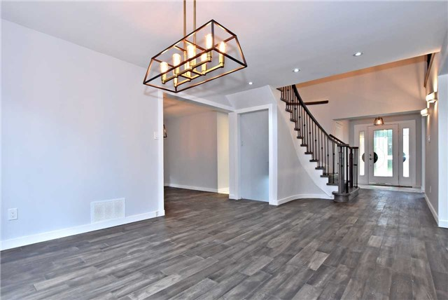 Detached at 238 Longwood Dr, Caledon, Ontario. Image 18
