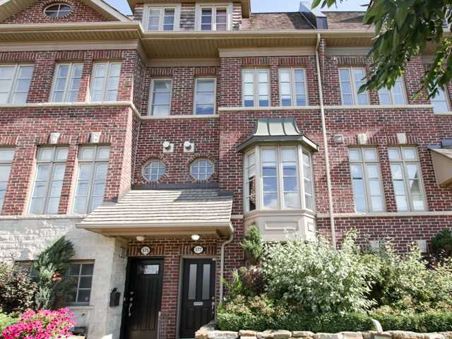 Townhouse at 577 Oxford St, Toronto, Ontario. Image 11