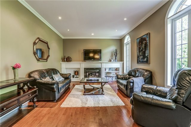 Detached at 215 Innville Cres, Oakville, Ontario. Image 20