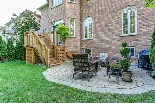 Detached at 215 Innville Cres, Oakville, Ontario. Image 9