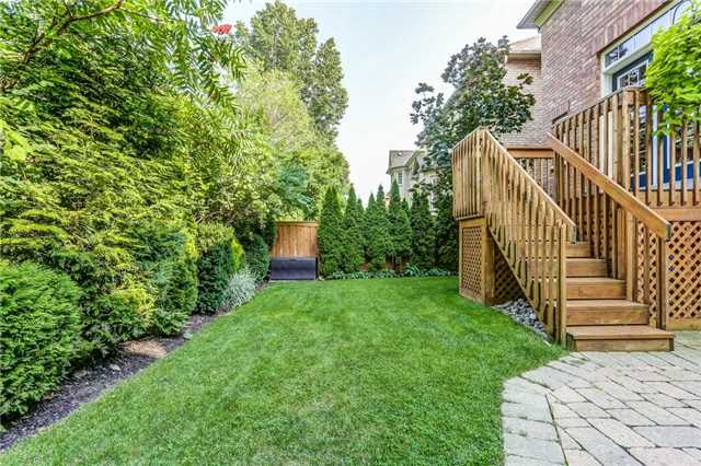 Detached at 215 Innville Cres, Oakville, Ontario. Image 10