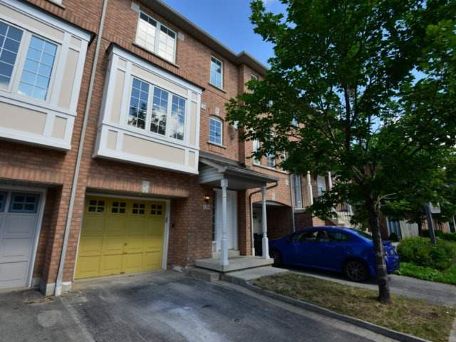 Condo Townhouse at 80 Acorn Pl, Unit 183, Mississauga, Ontario. Image 1