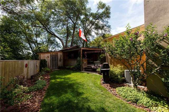 Detached at 2A Spears St, Toronto, Ontario. Image 4
