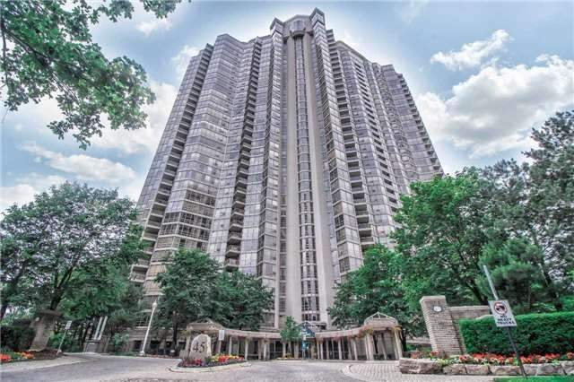 Condo Apartment at 45 Kingsbridge Garden Circ, Unit Uph1, Mississauga, Ontario. Image 1