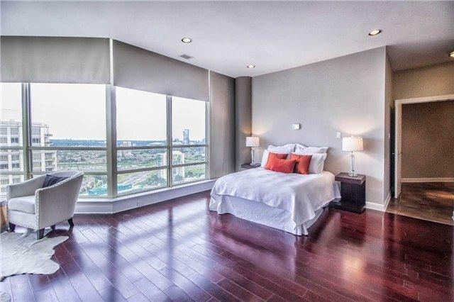 Condo Apartment at 45 Kingsbridge Garden Circ, Unit Uph1, Mississauga, Ontario. Image 8