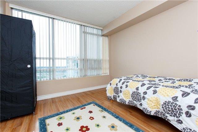 Condo Apartment at 50 Kingsbridge Garden Circ, Unit 1609, Mississauga, Ontario. Image 19