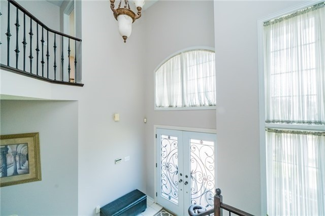 Detached at 336 Barondale Dr, Mississauga, Ontario. Image 14